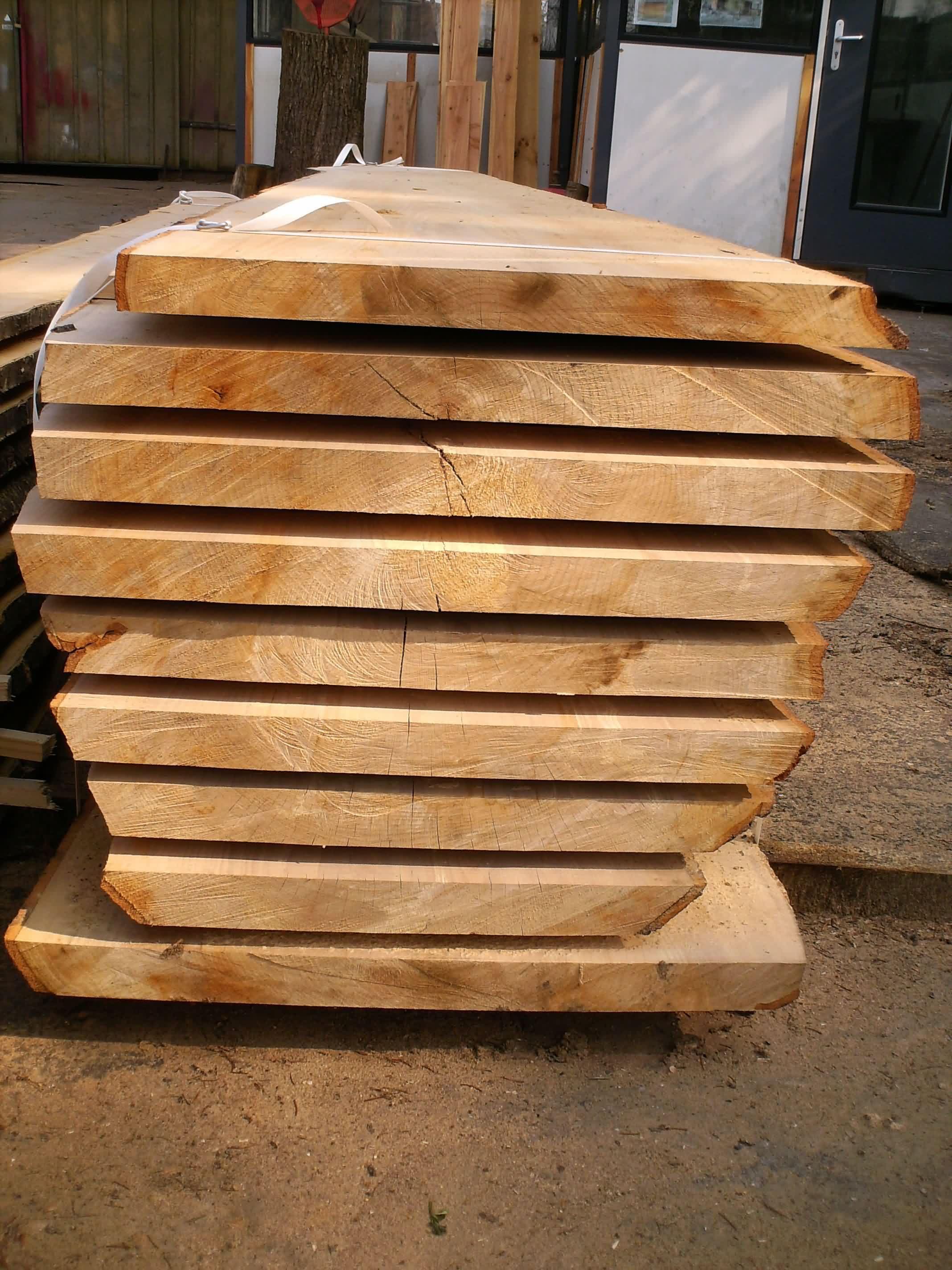 Galerie photos de notre scierie - Planche bois brut de sciage ...